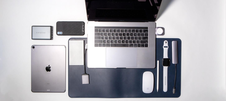 「気が付けばパソコンデスクはSatechiで溢れていた」のアイキャッチ画像