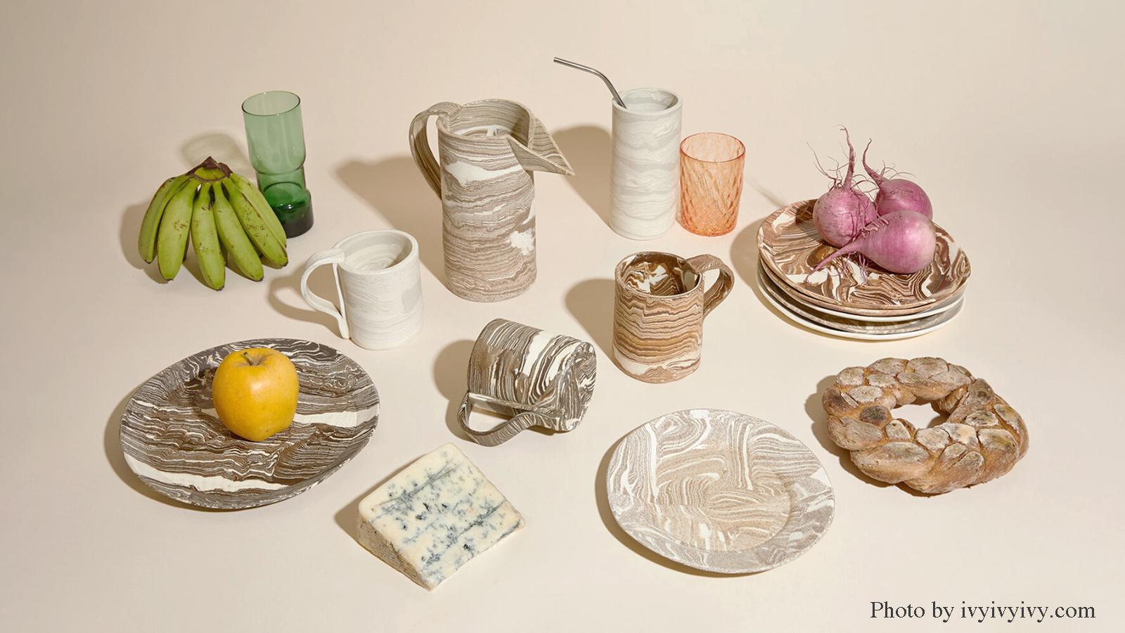 「食卓を彩る器の衣替え」のアイキャッチ画像